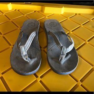Ugg Women's Size 7 Thong Sandals flip flops GUC